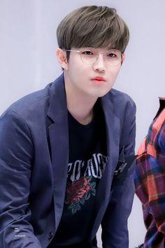 46 super ideas memes kpop wanna one K Pop, Jaehwan Wanna One, Aesthetic Memes, Boyfriend Pictures, Ong Seongwoo, Produce 101 Season 2, Kim Jaehwan, Ha Sungwoon, Relationship Memes