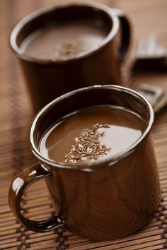 Looking for an über rich hot cocoa? This is a spin off of Café Mexicano. Fiesta Hot Chocolate has similar properties. Instead of using coffee, you use milk. Hot Chocolate Recipes, Vegetarian Chocolate, Cocoa Drink, Vanilla Whipped Cream, Cacao Beans, Organic Chocolate, Food Words, Coconut Sugar, Almond Milk