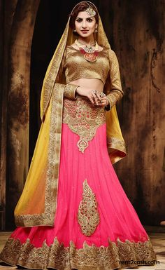 Look the best in any occasion by sprucing up in a stylish manner with a designer outfit. Rent a designer outfit from Rent2cash within your budget & fulfill your wish of wearing a ravishing attire that you dreamed off.