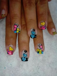 Uñas Heart Nail Designs, Heart Nails, Holiday Nails, Toe Nails, Pedicure, Hair Beauty, Nail Art, Valentine Nails, Roxy