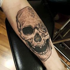 Skull done by @rustemhorzum at @tattoostudio115 Bergen, Norway