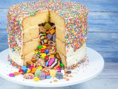 The many secret surprises of the Piñata Cake | Picture: Tristan Lutze
