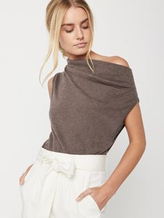 Brochu Walker Womens Sleeveless Off The Shoulder Sweater, Dark Brown