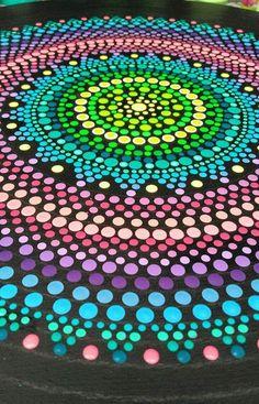 Puntillismo Mandala Painting, Dot Painting, Painted Canvas, Painted Rocks, Point Paint, Aboriginal Art, Rock Art, Art Projects, Creativity