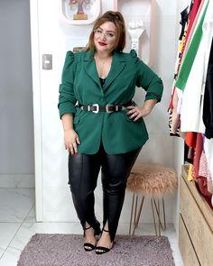 Como usar calça de couro plus size: dicas e inspirações - JUROMANO.COM Blazers, Driving Shoes Men, Modelos Plus Size, Looks Plus Size, Moda Plus Size, Plus Size Fashion, Cool Outfits, Womens Fashion, Vintage