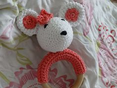 mouse rattle, free crochet pattern. so cute! it's tempting to just copy the colors and everything