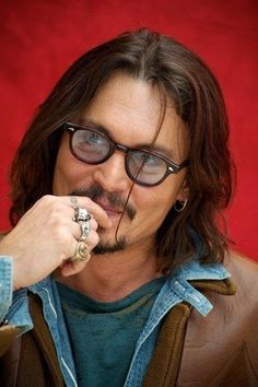 Johnny Depp's 11 Essential Style Lessons – Celebrities Woman Pelo Hipster, Gorgeous Men, Beautiful People, John Depp, Best Beard Styles, Here's Johnny, The Lone Ranger, Look Man, Hollywood