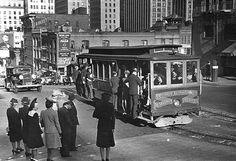 California Street cable car in early 1930s San Francisco