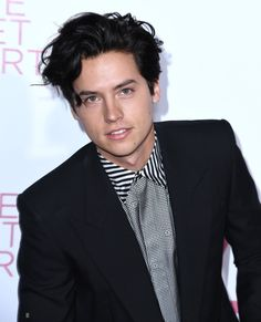 Cole Sprouse Jughead, Cole M Sprouse, Dylan Sprouse, Riverdale Funny, Riverdale Cast, Hot Actors, Actors & Actresses, Zack Y Cody, Riverdale Cole Sprouse