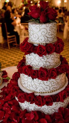 New Baby Shower Themes Elegant Wedding Cakes Ideas Wedding Cake Red, Red Rose Wedding, Elegant Wedding Cakes, Beautiful Wedding Cakes, Wedding Cake Designs, Beautiful Cakes, Wedding Cakes With Roses, Quinceanera Cakes, Quinceanera Decorations
