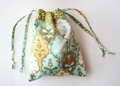 Great tutorial for a lined drawstring bag.