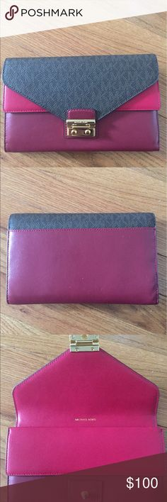 Michael Kors Mulberry LG Carryall Envelope Wallet Michael Kors Mulberry LG Carryall Envelope Wallet MK Rolex + Signature brand new 100% authentic Michael Kors Bags Wallets