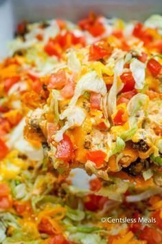 This Easy Taco Casserole will definitely dazzle your taste buds! It's got all of the spicy flavor combinations you love, mellowed perfectly by the cream cheese (...)