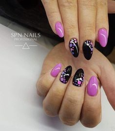 The advantage of the gel is that it allows you to enjoy your French manicure for a long time. There are four different ways to make a French manicure on gel nails. Purple Nails, Pink Nails, Gorgeous Nails, Pretty Nails, Nagellack Design, Super Nails, Gel Nail Designs, Fancy Nails, Creative Nails