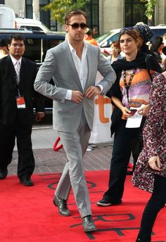 Gray suit + gray shoes + Ryan gosling = perfection