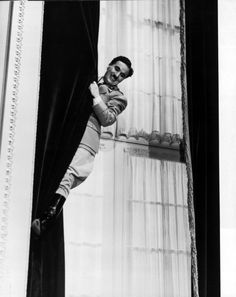 Still of Charles Chaplin in The Great Dictator