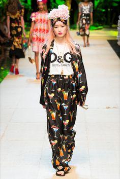 Dolce & Gabbana Milano - Spring Summer 2017 Ready-To-Wear - Shows - Vogue.it