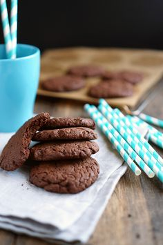 This Italian Double Chocolate Espresso Cookie combines all of my favorite things! These cookies are delicious with a scoop of ice cream or a cup of coffee and are sure to make yourself and everyone you share with (if you'll be so kind) oh so happy. No Bake Cookies, Cupcake Cookies, Chocolate Espresso, Home Bakery, Cookery Books, No Cook Desserts, Food Inspiration, Food Porn, Food And Drink