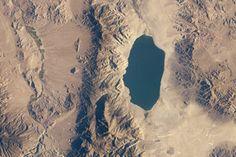 Walker Lake, Nevada : Image of the Day : NASA Earth Observatory
