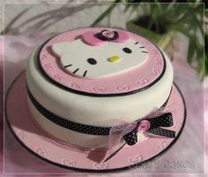 Ideas for birthday cake fondant kids hello kitty Hello Kitty Fondant, Torta Hello Kitty, Hello Kitty Birthday Cake, Cake Birthday, Fondant Cake Designs, Fondant Cakes, Cupcake Cakes, Cup Cakes, Pretty Cakes