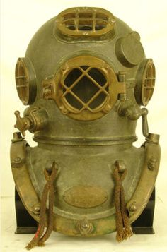 1944 DESCO US Navy Mark V Diving Helmet