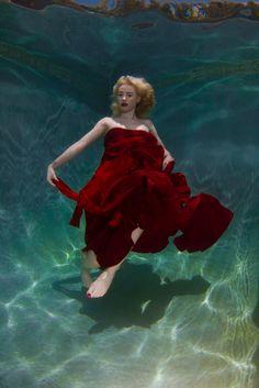 Iggy Azalea, red dress, under water, photo shoot