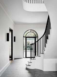 Modern design by robson rak 2 handrail & stairs дизайн дома, Interior Design Blogs, Interior Inspiration, Home Luxury, Luxury Homes, Melbourne House, Georgian Homes, Staircase Design, Grand Staircase, Curved Staircase
