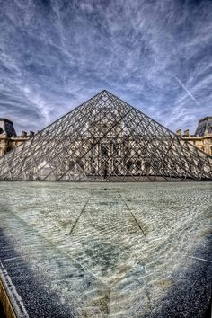 louvre by Paul Cowell, via Flickr
