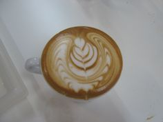 Perfect Latte Art mit Corlito Caffè della Corsa. Gegossen mit der Motta Europa Milchkanne