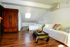 Schau Dir dieses großartige Inserat bei Airbnb an: Stanley Vintage Studio - Apartments zur Miete in Poreč Studio Apartments, Vintage, Bed, Room, Furniture, Home Decor, Ad Home, Bedroom, Stream Bed