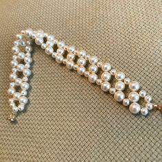Shell Bracelet, Pearl Bracelet, Ankle Bracelets, Jewelry Bracelets, Black And White Earrings, Beaded Jewelry Patterns, Pretty Rings, Swarovski Pearls, Sterling Silver Bracelets
