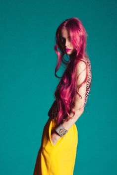 April-Popelysheva-very-long-pink-hair I want my hair this long!&& this color! Long Pink Hair, Fuschia Hair, Neon Hair, Hair Colorful, Pelo Multicolor, Color Fantasia, Image Mode, Hippie Look, Colored Hair