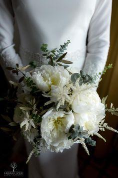 #ramosdenovia #novia #fabianluque Table Decorations, Home Decor, Simple Style, Photo Style, Wedding Bouquets, Boyfriends, Decoration Home, Room Decor, Dinner Table Decorations