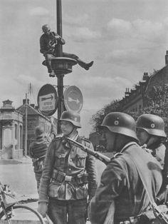 "Original photos of the SS-DIVISION ""TOTENKOPF"""