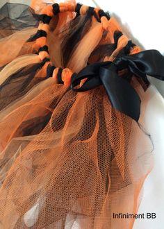 DIY Jupe sans couture pour Halloween - Le blog d'Infiniment BB Couture Pour Halloween, Metre De Couture, Diy Jupe, Blog, No Sew Skirt, Tutu Skirts, Blogging