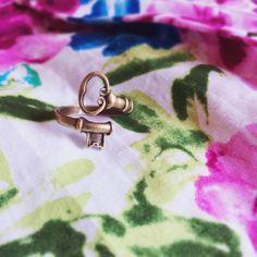 Wonderland Key Ring #aliceinwonderland #disney #whosits