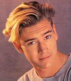 A-picture-of-the-undercut-haircut-with-a-side-part-hairstyle-of-Zack-Morris-in-Saved-By-The-Bell.jpg 461×526 pixels