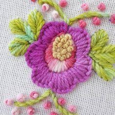 Colores primaverales! #holamediopunto #diseñotextil #espaciocreativo #bordadoamano #bordarhacebien #bordadolivre #bordadomexicano #handmadeembroidery #embroidery #onmytable #conmismanos #instagrames #bordadoperuano #embroiderymagazine