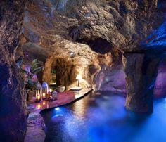 Una #piscina in una #grotta
