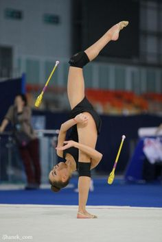 Dina Averina Photo by Shanek_com Gymnastics World, Gymnastics Poses, Amazing Gymnastics, Gymnastics Videos, Gymnastics Photography, Gymnastics Pictures, Sport Gymnastics, Artistic Gymnastics, Ballet Photography