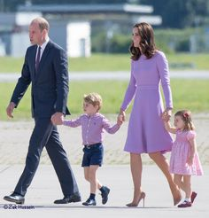 Cambridge family photo: Prince William, Duchess Catherine, Prince George and Princess Charlotte headed for the airplane leaving Germany ~ Royal Tour July 2017