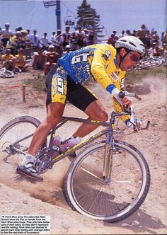 Team GT was one of the strongest mountain bike teams in the '90s with Rishi Grewal leading the men's XC team and Juli Furtado for the women's team. Seen here is Rishi riding the GT Xizang titanium mountain bike with a Rock Shox Mag 21suspension fork and onza titanium bar-ends.