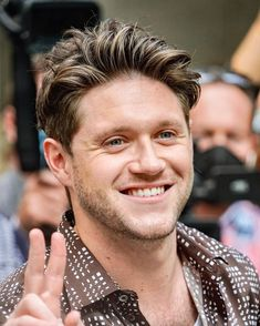 One Direction Albums, One Direction Background, Members Of One Direction, Niall Horan News, Niall Horan Baby, Naill Horan, Irish Leprechaun, James Horan, Treat People With Kindness