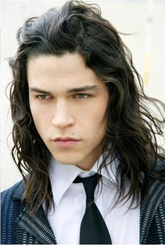 Photo of American painter and model, Miles McMillan - His hair in this photo is *exactly* what I imagine for Charles: colour, texture, length...everything. Re: length, I only really dared to look into these things after having seen and studied an 18th century sculpture of a man with his hair unbound: http://www.pinterest.com/pin/398076054536200861/ But mind you, this IS the 18th century - and while Charles might be wearing his own hair instead of a wig, he's still gonna be tying it back ;)