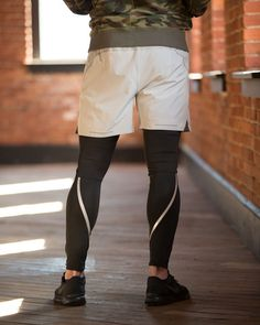 Men's high-performance running activewear engineered specifically for elite runners who demand attention to detail, comfort and quality. Get premium Rhone runni