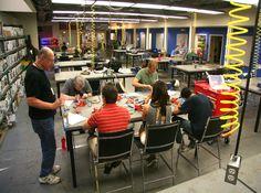 makerspace-tables.jpg (1059×789)