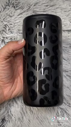 Diy Tumblers, Custom Tumblers, Acrylic Tumblers, Personalized Tumblers, Diy Resin Crafts, Diy Crafts To Sell, Glitter Crafts, Cricut Explore Projects, Vinyl Craft Projects