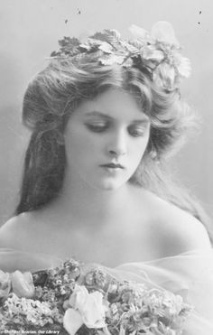 The very beautiful Miss Gladys Cooper.