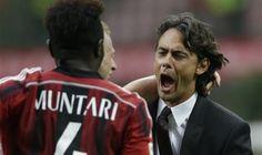 Filippo Inzaghi (kanan) merayakan gol Sulley Muntari ke gawang Parma. - Luca Bruno-AP Photo