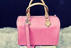 Bolso Rosa chicle   Parfois , Primavera-Verano 2012. En el armario de Toujourslesvendredi desde el 30-5-2012